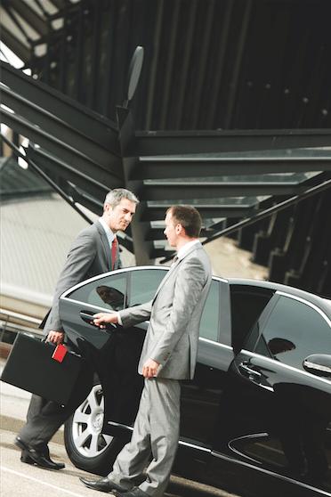 requisitos para renta de auto chofer incluido